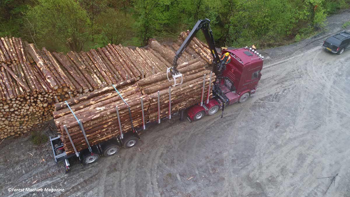 Aerial-view-of-Wayne-Richards-loading-a-Scania-R730.2jpg
