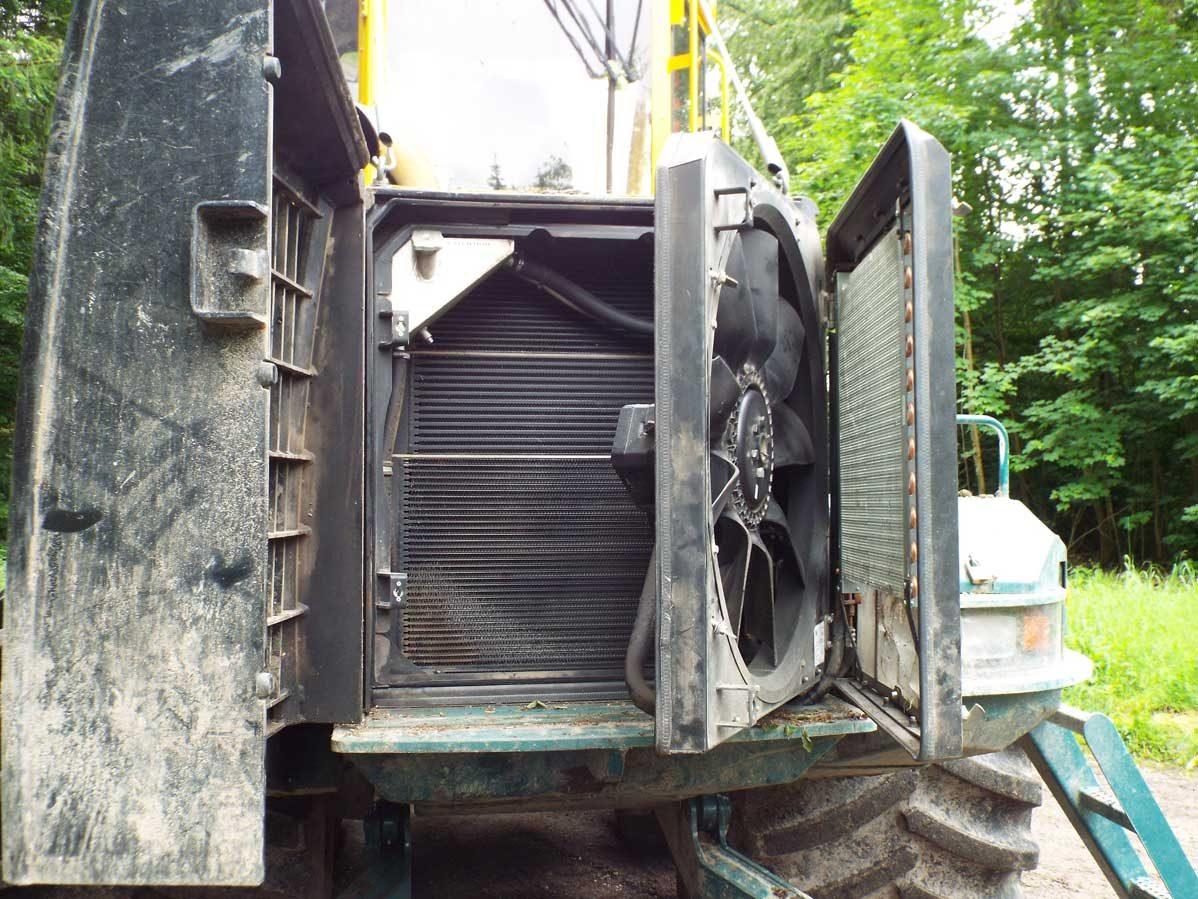 HSM-208F-12-tonne-forwarder-Forest-Machine-Magazine-1
