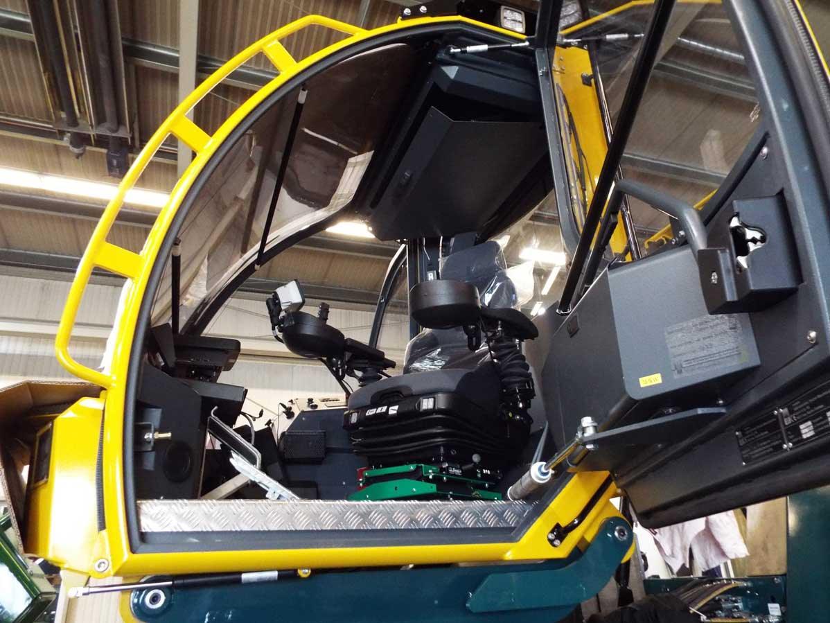 HSM-208F-12-tonne-forwarder-Forest-Machine-Magazine-12