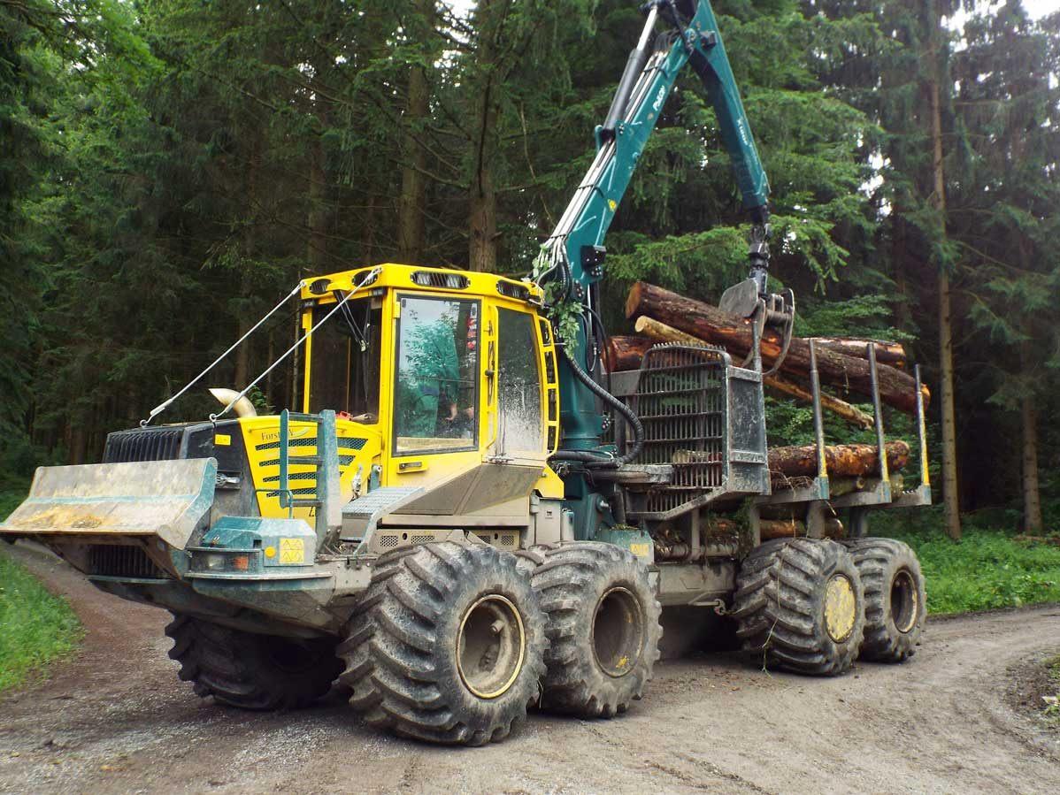 HSM-208F-12-tonne-forwarder-Forest-Machine-Magazine-2