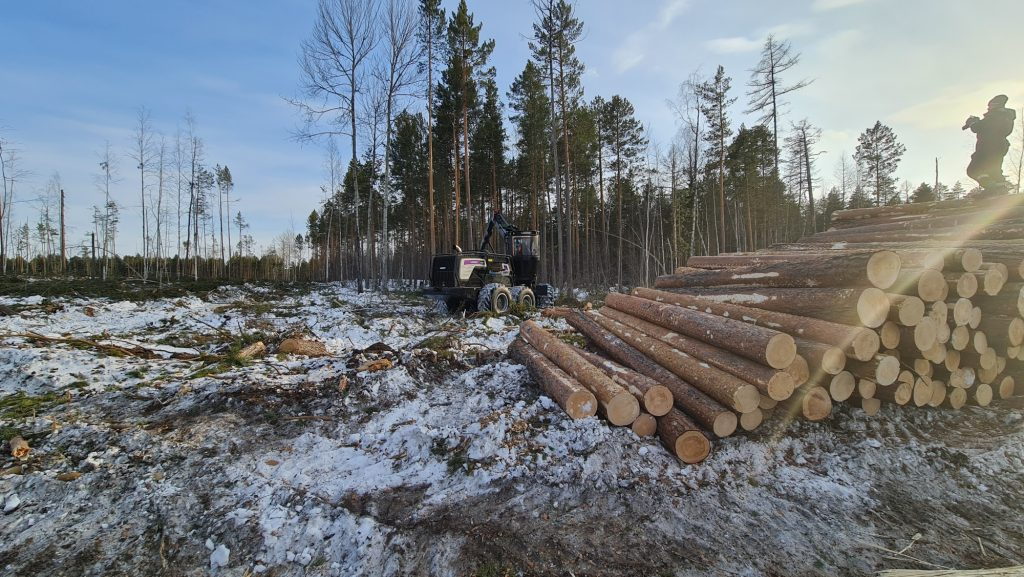 Logset hybrid harvesters