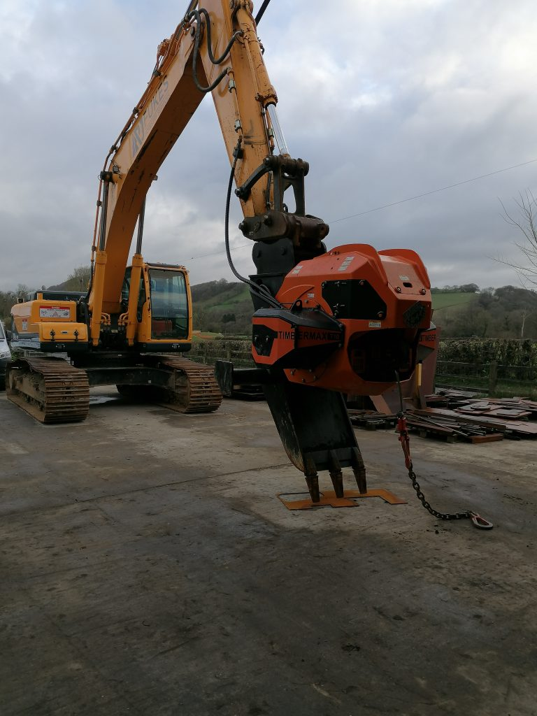 Hyundai 300LC-9A excavator for sale