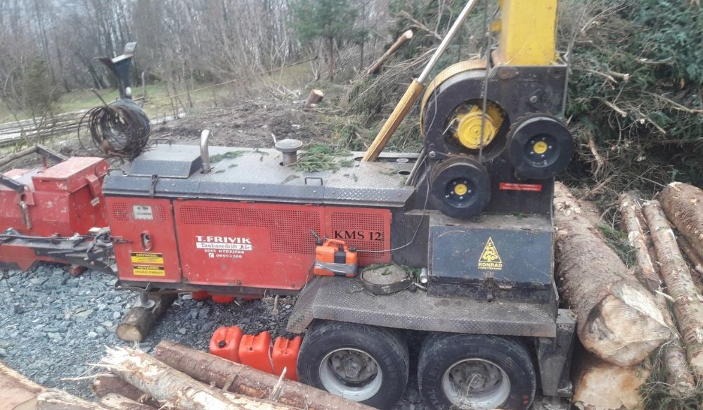 latest forestry equipment for sale - KMS 12 U 37 with Konrad radio control KFS 16 without trolley