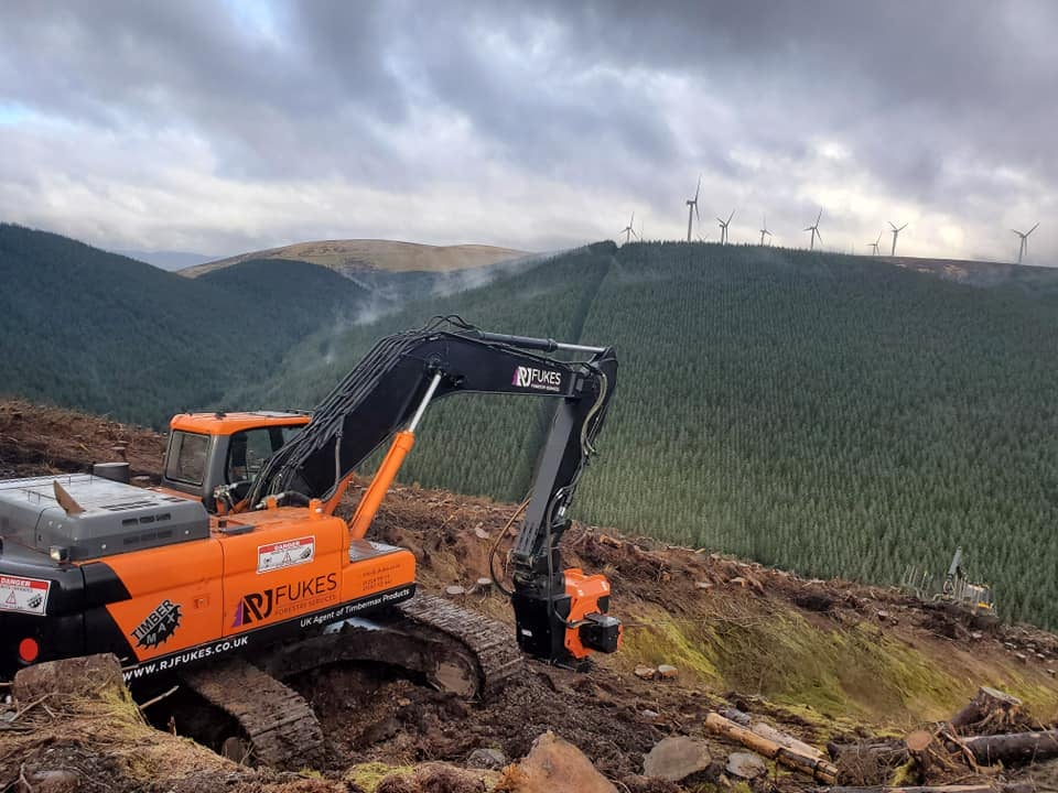 latest forestry equipment for sale - Doosan DX300 LC – 3 Excavator with new timbermax traction winch