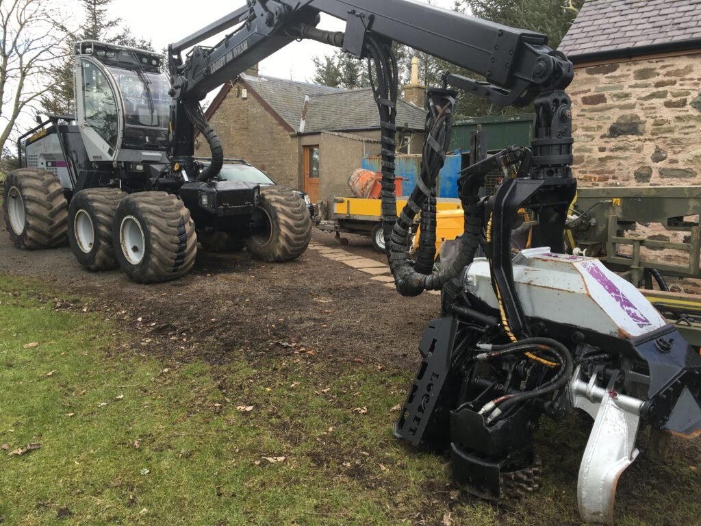 Logset Harvester 8H 2006, -, Used Forestry Machinery Equipment