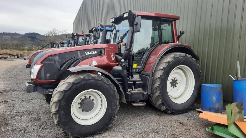 Machines For Sale - Valtra T183 Versu Tractor